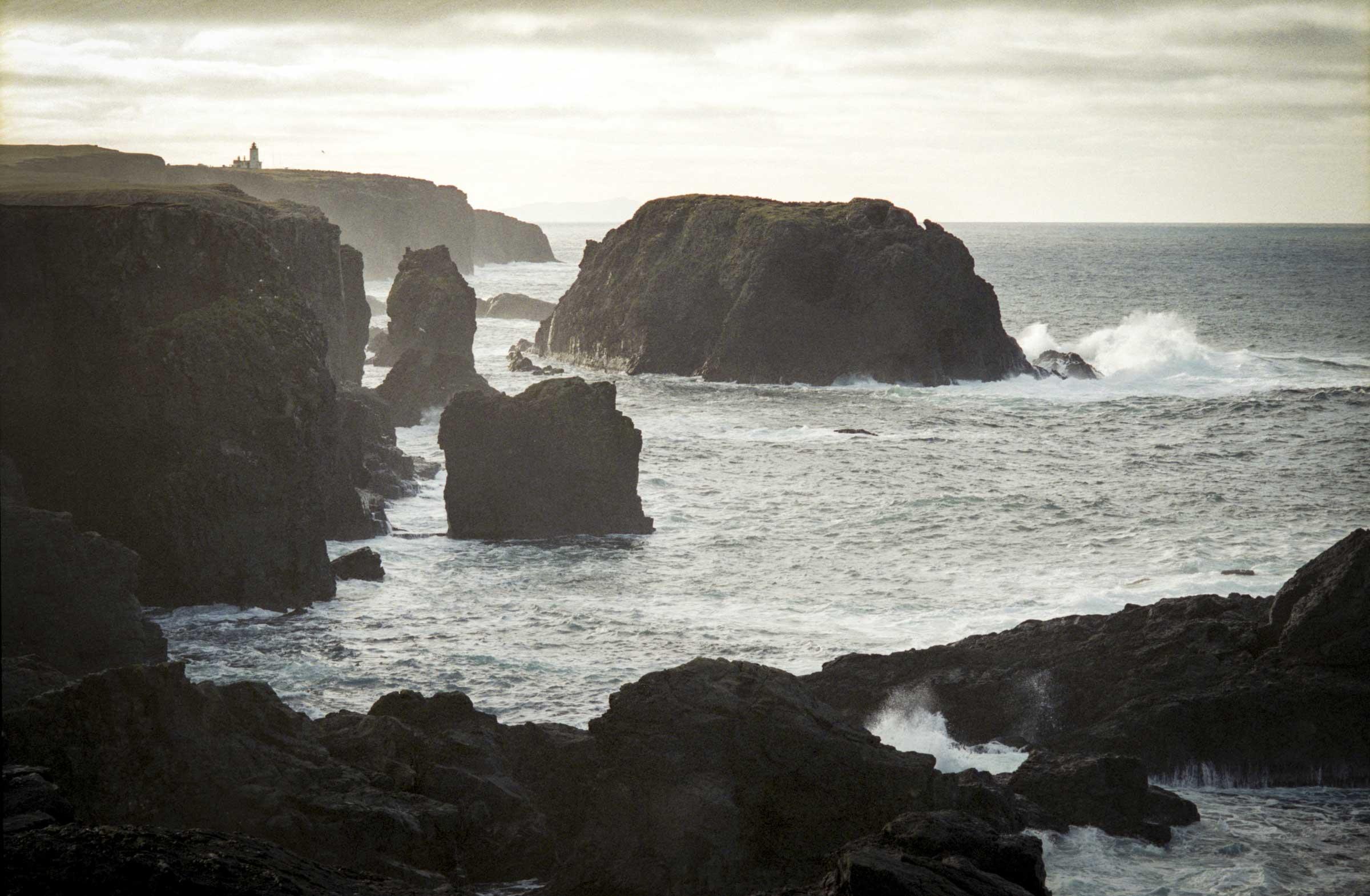 スコットランド最北の地『シェトランド諸島』で綴る光と生命への賛歌、<br />加藤秀「Shetland in the Light」展